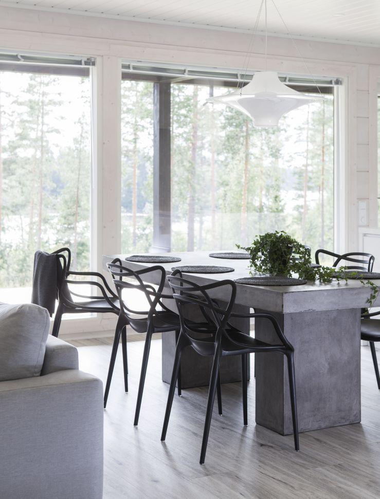Talonäyttely:Finnlamelli, Moderni hirsikoti 155 m2